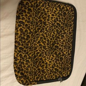 2 laptop covers